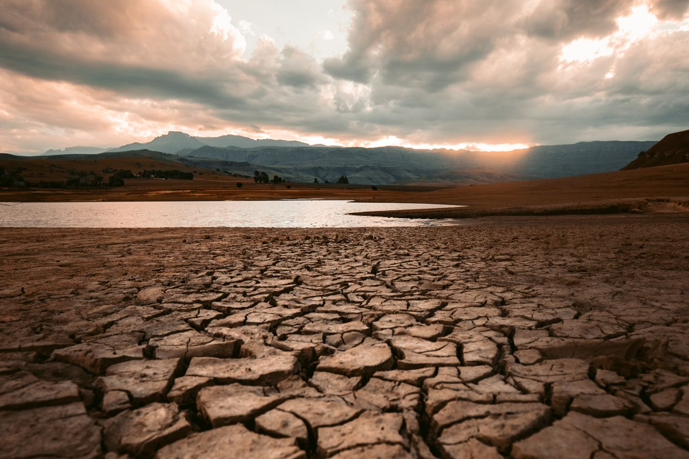 Understanding and Assessing Risk of Drought Impacts